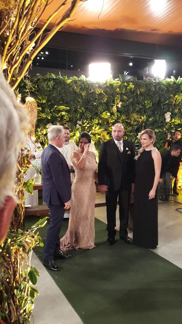 Otávio Mesquita e Eliana estiveram na cerimônia (Foto: EGO)