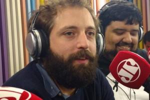 "Gregório Duvivier durante o programa ""Pânico"", na Jovem Pan (Foto: Jovem Pan)"
