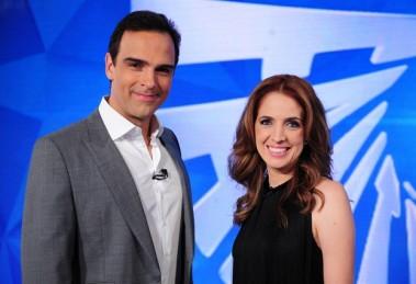 """Tadeu Schmidt e Poliana Abritta comandam o """"Fantástico"""" (Foto: Divulgação/Globo)"""