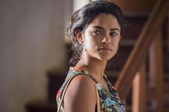 Lucy Alves será a protagonista Lurdes na primeira fase de Amor de Mãe, próxima novela das nove da Globo (Foto: Globo/Caiuá Franco)