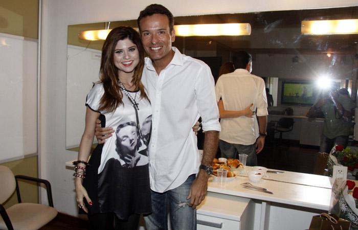 Edgard Miranda ao lado da atriz Julianne Trevisol (Foto: Divulgação)