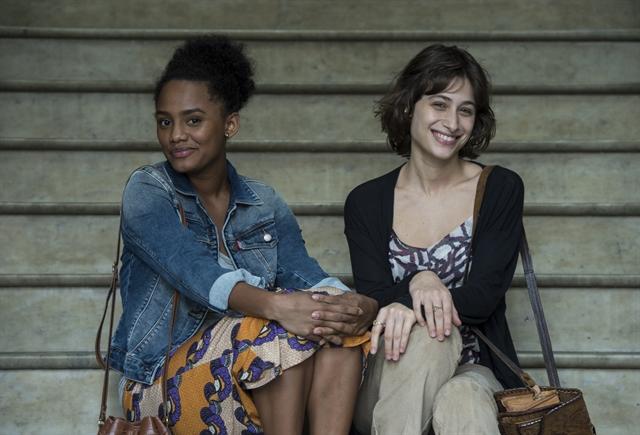 Debora (Luisa Arraes) e Rose (Jessica Ellen) (Foto: Globo/Estevam Avellar)