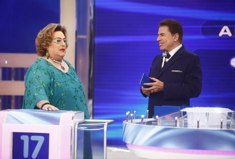 """Apresentadora pede para fazer cirurgia e Silvio Santos surpreende: """"quer ficar desempregada?"""""""