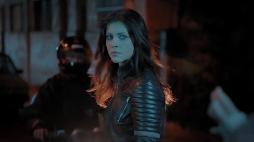 Christiana Ubach (Joana) na primeira temporada de A Garota da Moto<br />  (Foto: Reprodução/SBT)
