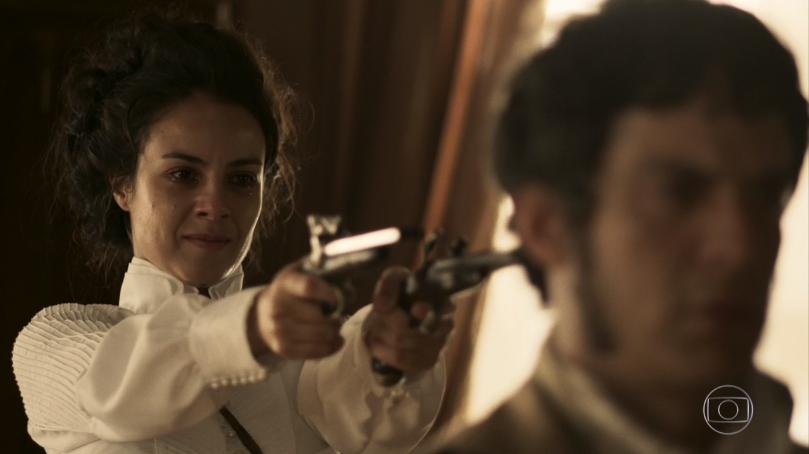 """Joaquina (Andreia Horta) e Rubião (Mateus Solano) em cena do último capítulo de """"Liberdade, Liberdade"""" (Foto: Reprodução/Globo)"""