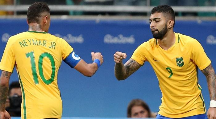 Neymar e Gabigol comemoram (Foto: F. D. REUTERS)