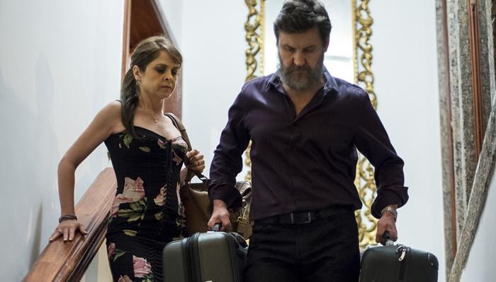 """Antenor Ferraz (Antonio Calloni) e Vânia (Drica Moraes) em cena de """"Justiça"""" (Foto: Globo/Estevam Avellar)"""