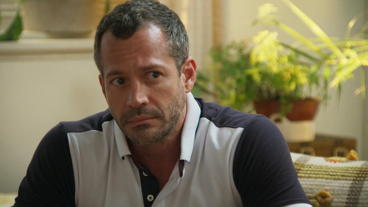 """Apolo (Malvino Salvador) em cena de """"Haja Coração"""" (Foto: Reprodução/Globo)"""