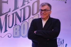 """Walcyr Carrasco no lançamento de """"Êta Mundo Bom"""" (Foto: Globo/Paulo Belote)"""
