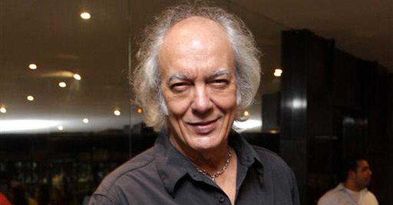 O cantor Erasmo Carlos levou uma queda do palco durante apresentação (Foto: Divulgação)