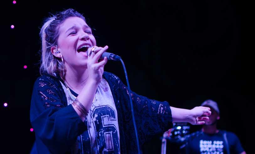 Priscilla Alcântara canta música de Ivete Sangalo em show e causa polêmica entre os evangélicos (Foto: Divulgação)