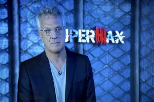 """Pedro Bial na estreia de """"Supermax"""", ontem (20) (Foto: Reprodução/Globo)"""
