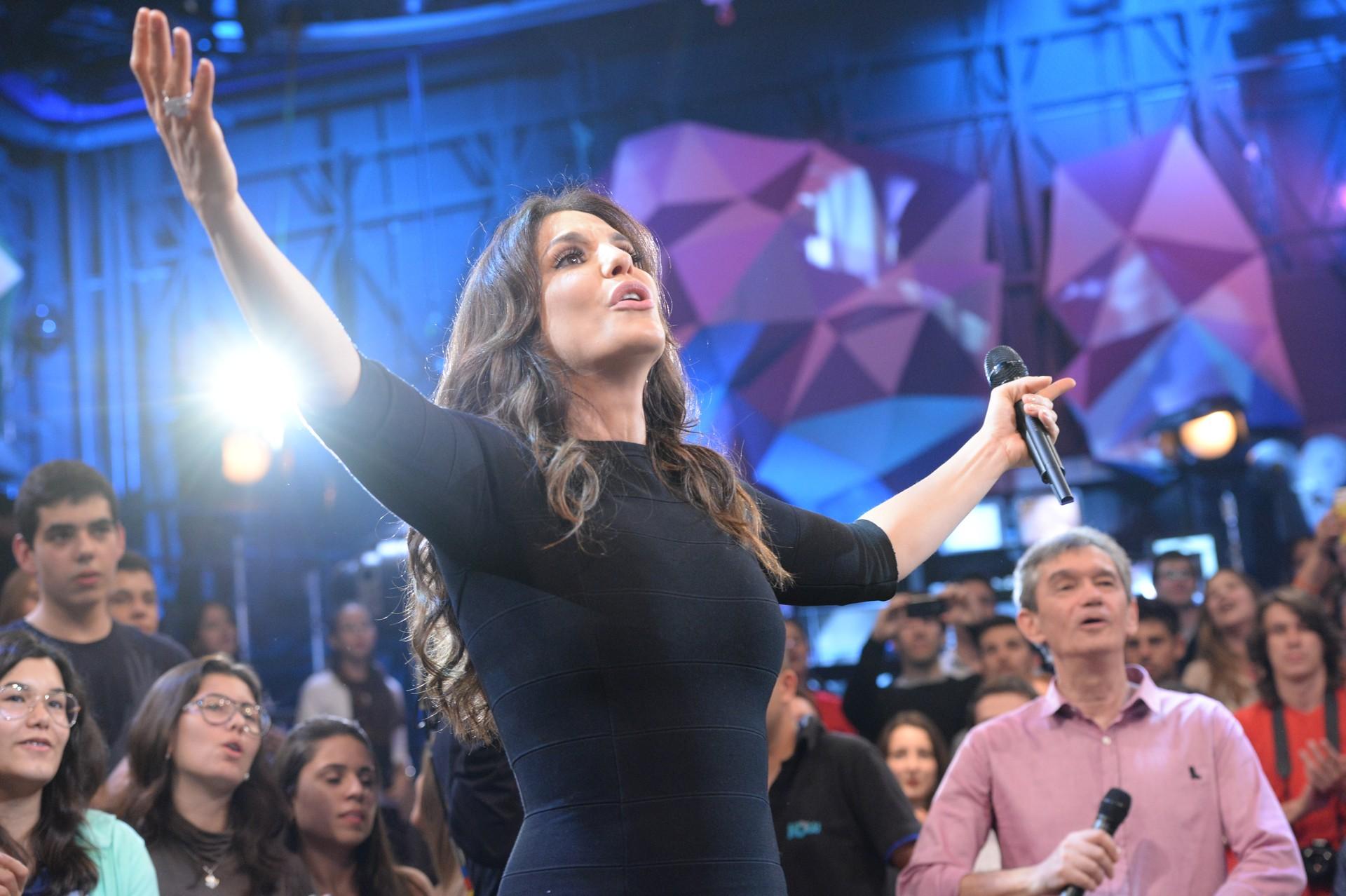 Ivete Sangalo no Altas Horas (Foto: Ramón Vasconcellos/TV Globo)