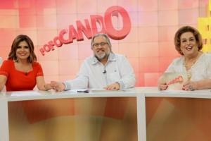 """Mara Maravilha, Leão Lobo e Mamma Bruschetta no comando do """"Fofocando"""" (Foto: Lourival Ribeiro/SBT)"""