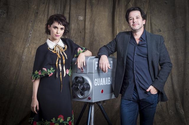 Debora Falabella e Murilo Benicio em 'Nada Será Como Antes' (Foto: Globo/Estevam Avellar)