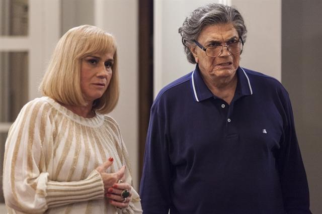 """Fausto (Tarcísio Meira) e Mág (Vera Holtz) em cena de """"A Lei do Amor"""" (Foto: Globo/Artur Meninea)"""