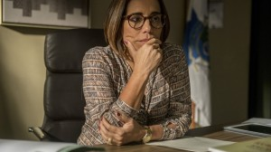 "Gloria Pires como juíza na série ""Segredos de Justiça"" (Foto: Globo/Renato Rocha Miranda)"