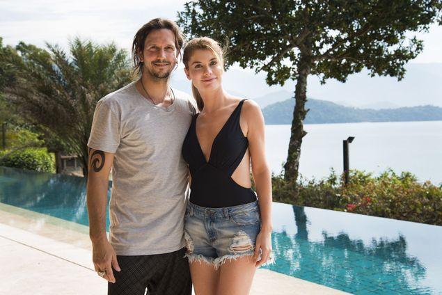 Gui (Vladimir Brichta) e Diana(Alinne Moraes), personagens de rock story Foto: Outro Canal/Cesar Alves/Globo