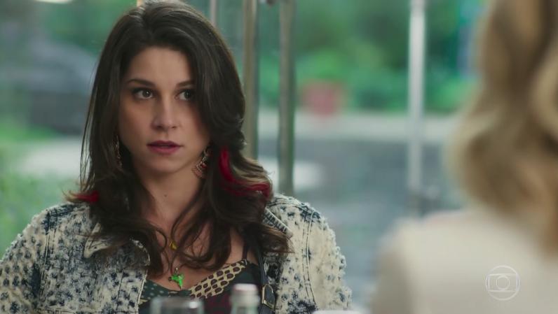 """Carmela (Chandelly Braz) em cena de """"Haja Coração"""" (Foto: Reprodução/Globo)"""