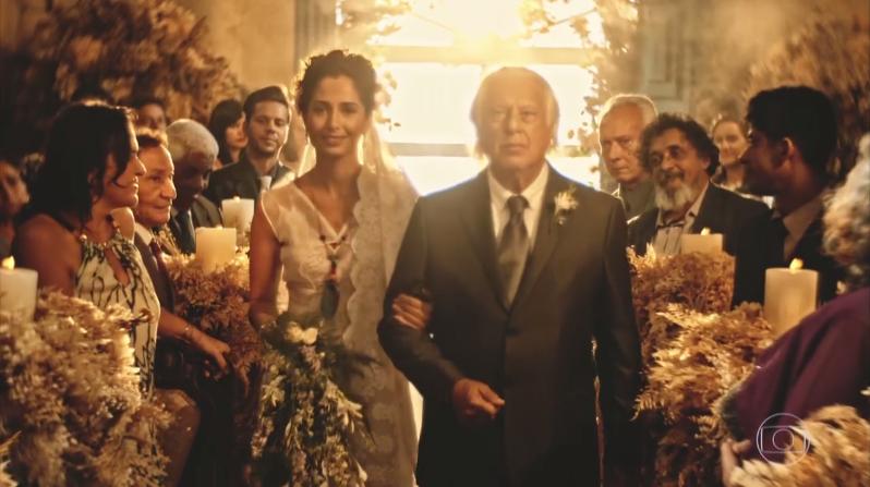 """Tereza (Camila Pitanga) e Afrânio (Antonio Fagundes) em cena do último capítulo de """"Velho Chico"""" (Foto: Reprodução/Globo)"""