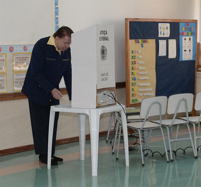 Silvio Santos foi votar (Foto Agnews)