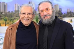 """Moacyr Franco e Carlos Alberto de Nóbrega em """"A Praça é Nossa"""" (Foto: Leonardo Nones/SBT)"""