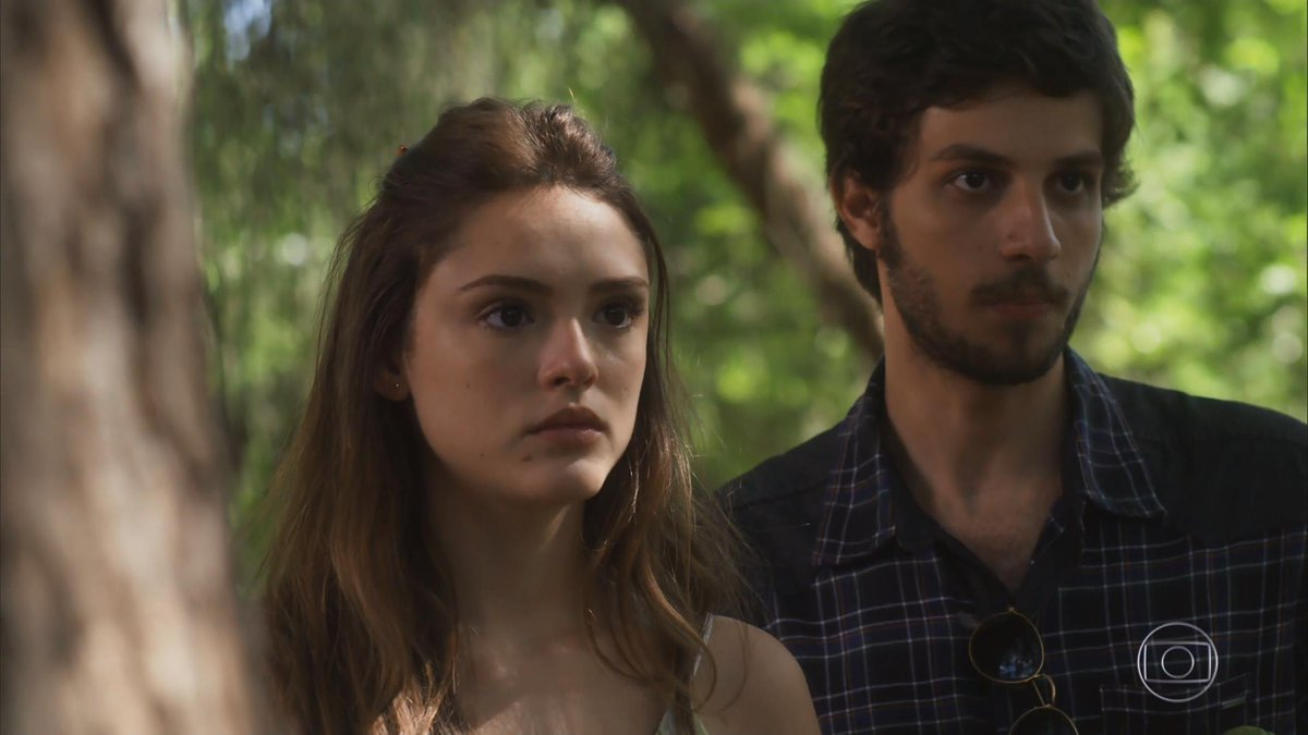 """Helô (Isabelle Drummond) e Pedro (Chay Suede) em cena de """"A Lei do Amor"""" (Foto: Reprodução/Globo)"""