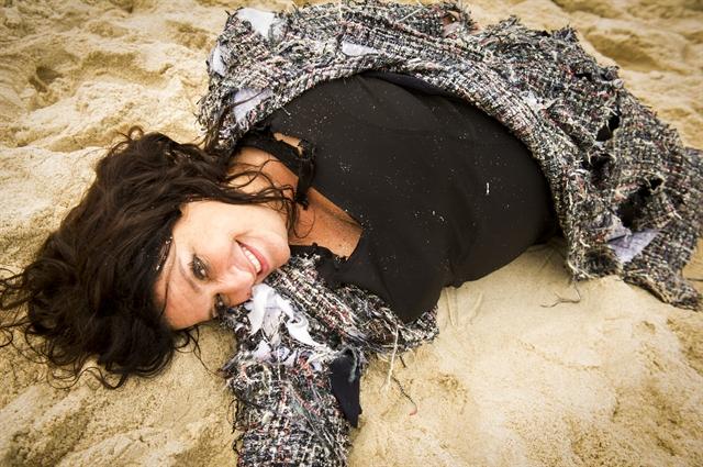 Teodora (Grace Gianoukas) em 'Haja Coração' (Foto: Globo/João Miguel Júnior)