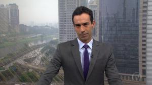 """Cesar Tralli no comando do """"SPTV 1ª Edição"""" (Foto: Reprodução/Globo)"""