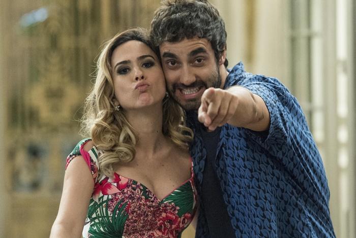 Leozinho (Gabriel Godoy) e Fedora (Tatá Werneck) (Foto: Globo/João Cotta)