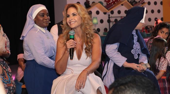 """Lucero no lançamento de """"Carinha de Anjo"""" (Foto: Lourival Ribeiro/SBT)"""