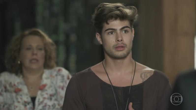 """Rafael Vitti (Léo Régis) em cena de """"Rock Story"""" (Foto: Reprodução/Globo)"""