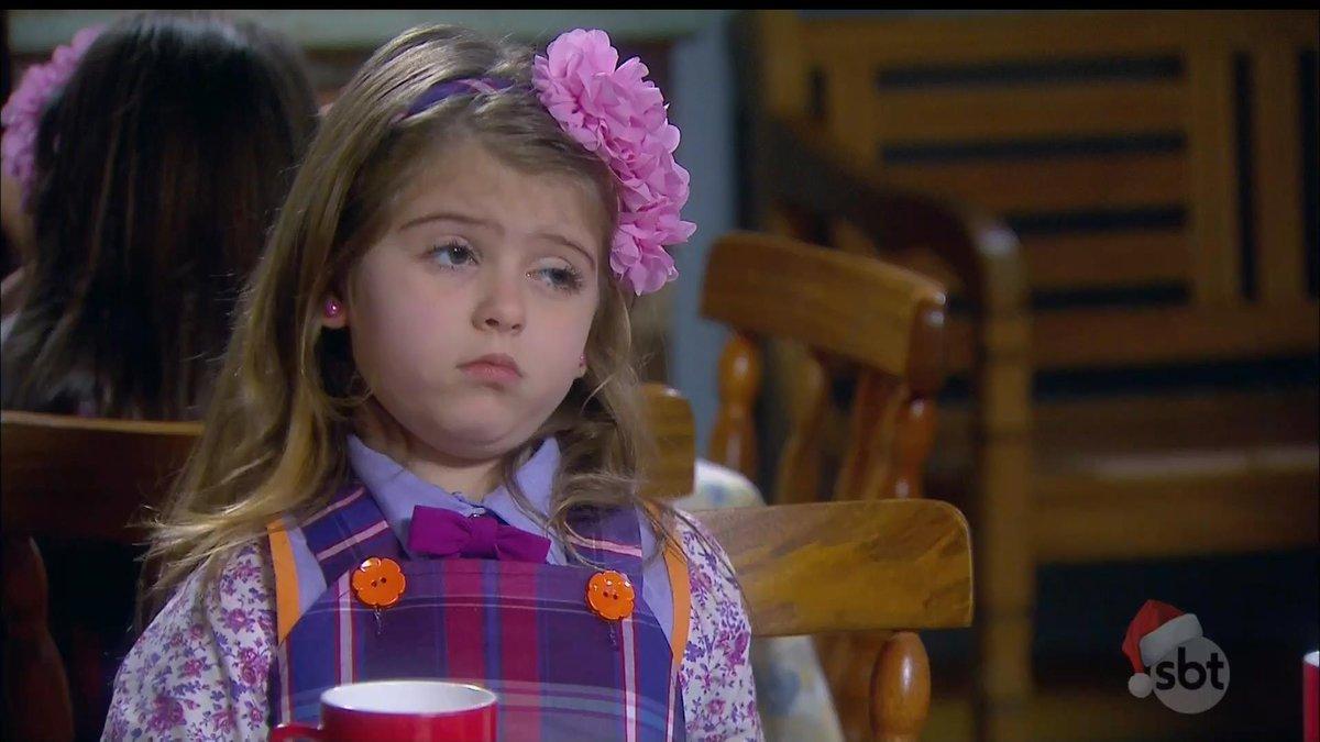 """Lorena Queiroz (Dulce Maria) em cena de """"Carinha de Anjo"""" (Foto: Reprodução/SBT)"""
