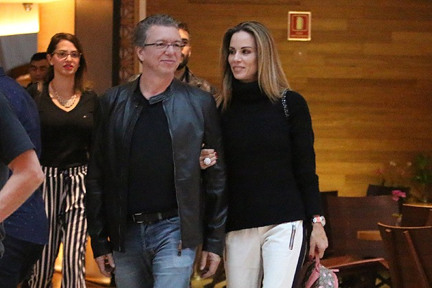 Boninho e Ana Furtado; apresentadora surgiu em aparição raríssima da filha de Boninho com Narcisa Tamborindeguy (Foto: Reprodução)