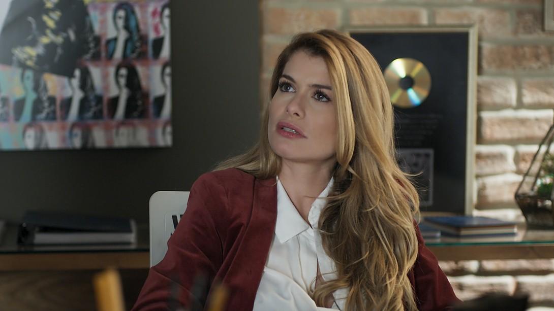 """Diana (Alinne Moraes) em cena de """"Rock Story"""" (Foto: Divulgação/Globo)"""