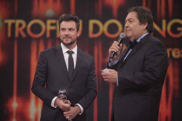 Faustão e Sergio Guizé (Foto: Globo/Divulgação)