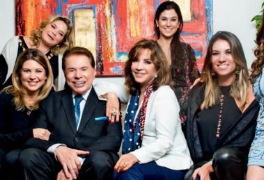 Silvio Santos, a esposa Íris, e as seis filhas (Foto: Rogério Pallatta)
