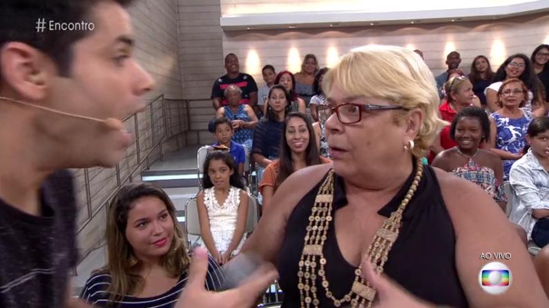"""Lair Rennó entrevista mulher que xingou ao vivo no """"Encontro"""" (Foto: Reprodução/Globo)"""