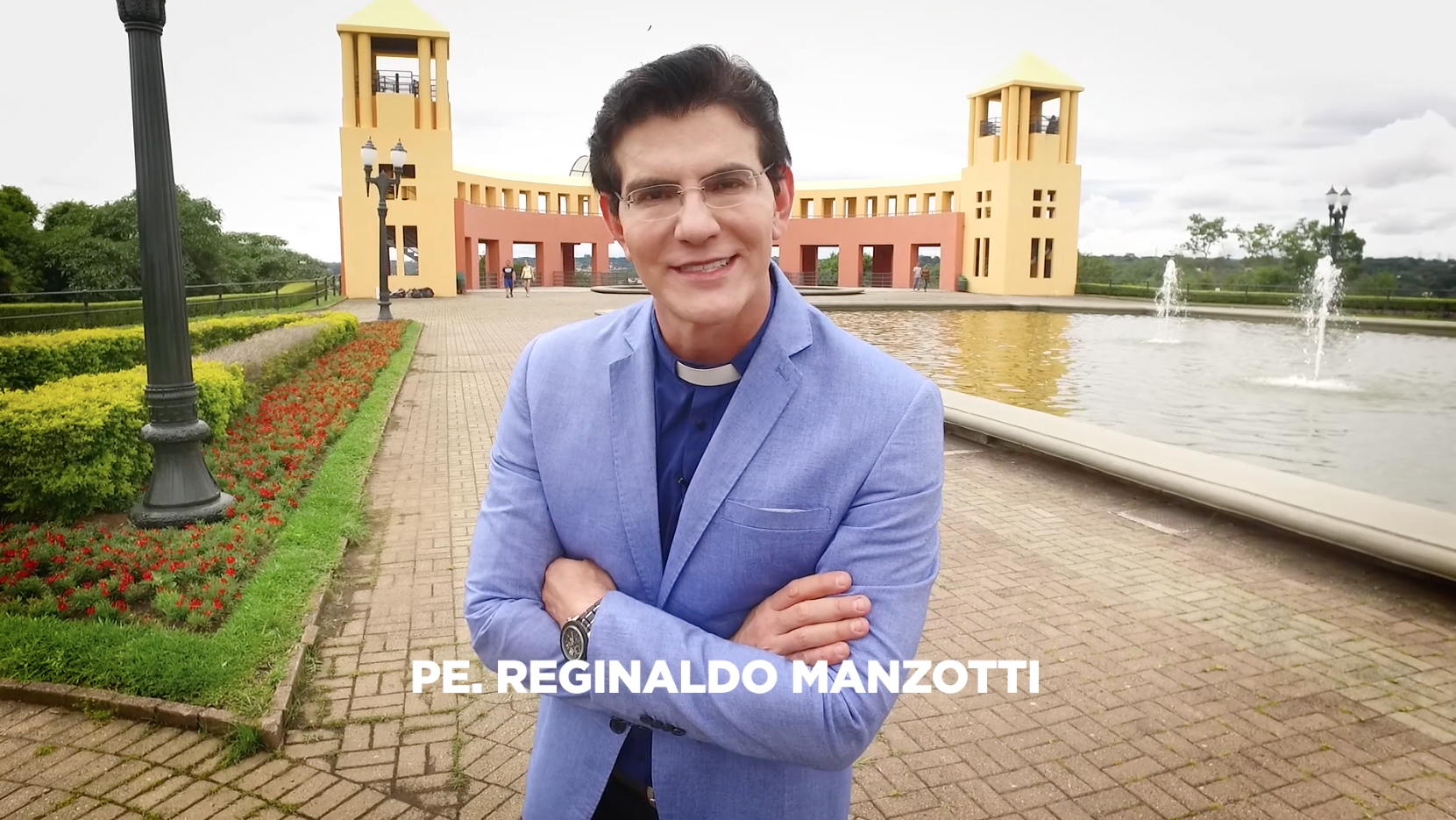 Padre Reginaldo Manzotti é acusado de engravidar jovem, diz colunista