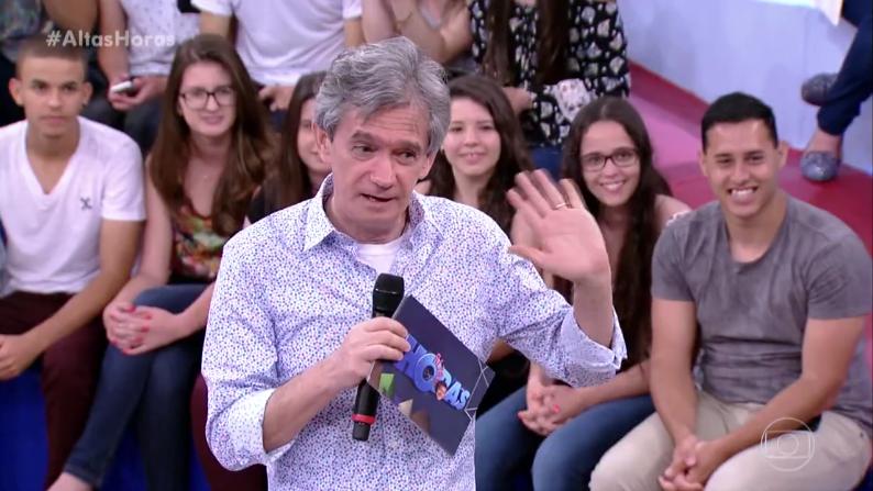 Serginho Groisman no comando do Altas Horas (Foto: Reprodução/Globo)