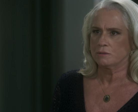 """Magnólia (Vera Holtz) em cena de """"A Lei do Amor"""" (Foto: Reprodução/Globo)"""