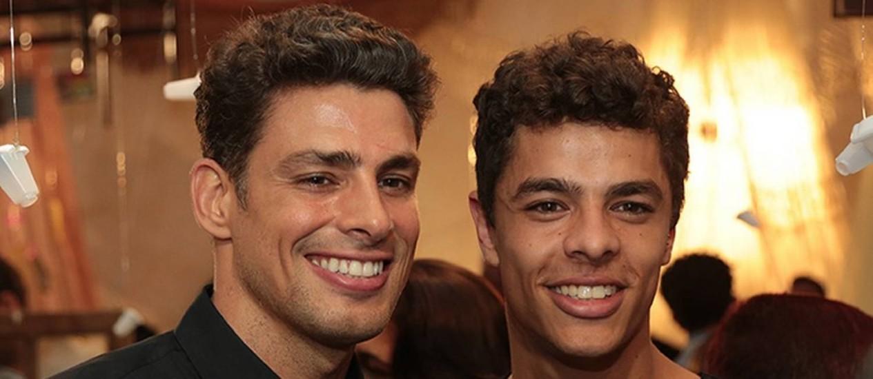 """Os atores Cauã Reymond e Matheus Abreu, que viveram os """"dois irmãos"""""""