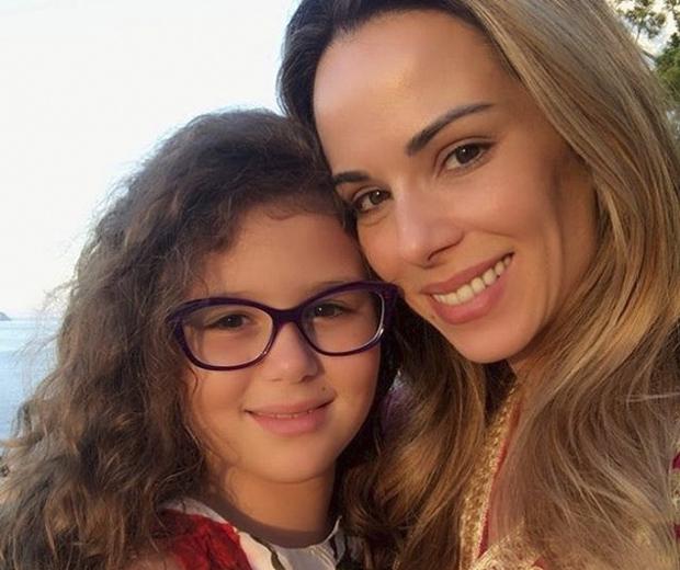 Ana Furtado posa com a filha (Foto: Reprodução)