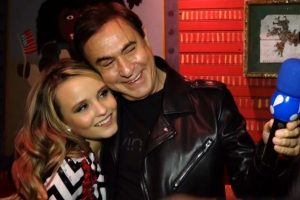 """Larissa Manoela Noticias Celebridades. Foto do site da O TV Foco que mostra  """"Aconteceram. """" d500fa937f"""