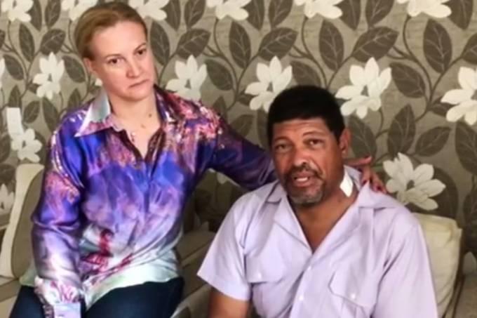 Valdemiro Santiago, líder da Igreja Mundial do Poder de Deus, recebe alta do hospital e repousa em casa, após ser esfaqueado em um culto (Facebook/Reprodução)