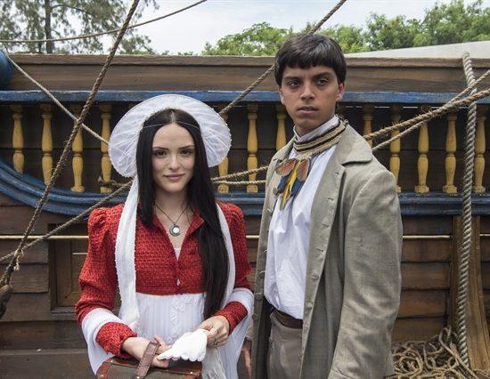 """Anna (Isabelle Drummond) e Piatã (Rodrigo Simas) em """"Novo Mundo"""" (Foto: Globo/Estevam Avellar)"""