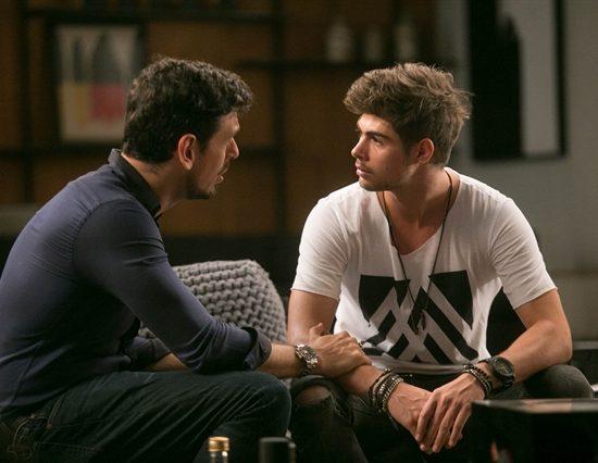 Lázaro (João Vicente de Castro) e Léo (Rafael Vitti) em cena de 'Rock Story' (Foto: Globo/Raquel Cunha)