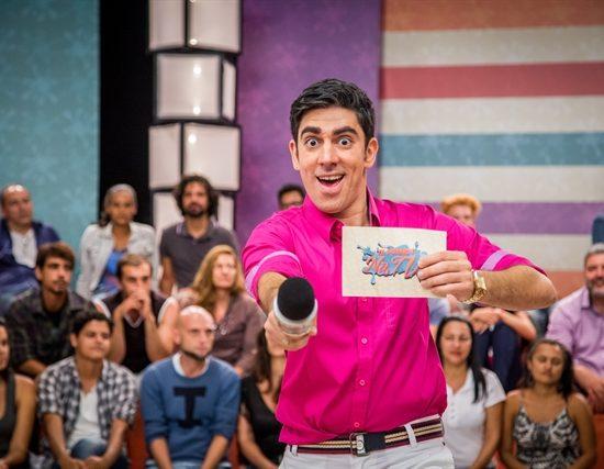 Marcelo Adnet na quarta temporada do 'Tá no Ar' (Foto: Globo/Paulo Belote)