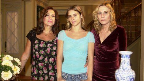"""Maria do Carmo (Suzana Vieira), Isabel (Carolina Dieckman) e Nazaré (Renata Sorrah) em """"Senhora do Destino"""" (Foto: Globo/João Miguel Júnior)"""