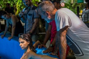 Isis Valverde e Marco Pigossi com o diretor artístico Rogério Gomes (Foto: Renan Castelo Branco/Gshow)